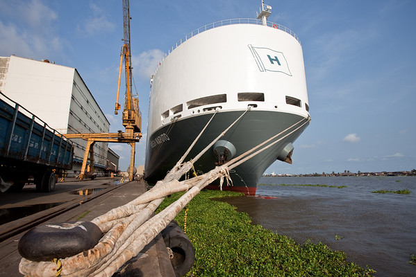 Discharging vehicles from a Hoegh vessel to the Coastal-SDV Car Terminal at Apapa, Lagos, Nigeria.